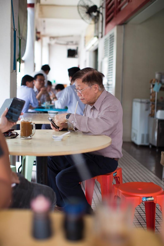 sip fragrant kopi & enjoy the local Singaporean breakfast w/ relaxed ease & no pretenses