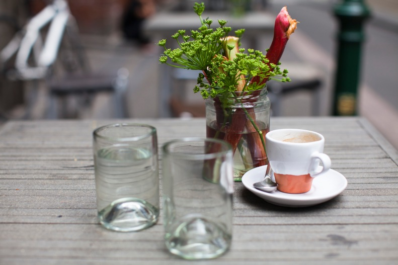 eat out of the lovely Bakker-designed, flowerpot-shaped terracotta crockery or recycled glass bottles