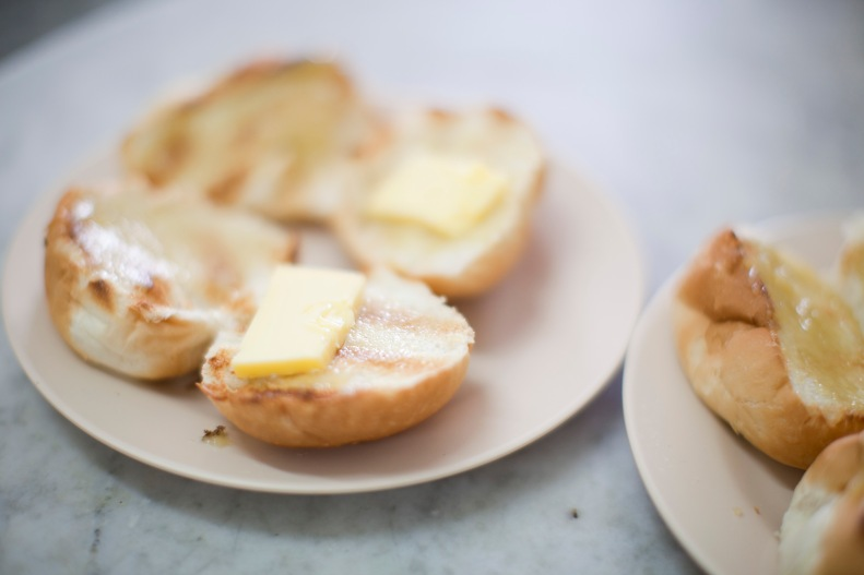 the famous kaya buns are soft, nicely toasted, & w/ more butter than you were expecting