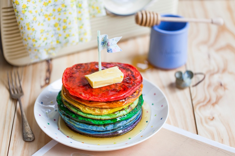 go crazy infusing your pancake batter w/ the colours of the rainbow & have a happy 2014!