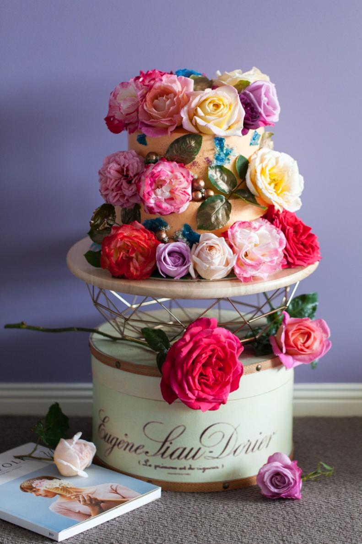 milk-chai-honey-floral-explosion-cake-9